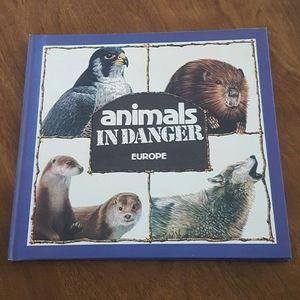 1982 ANIMALS IN DANGER EUROPE HARDCOVER